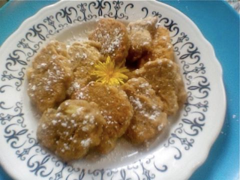 apple dandelion fritters